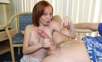 Alyssa Hart milking cock