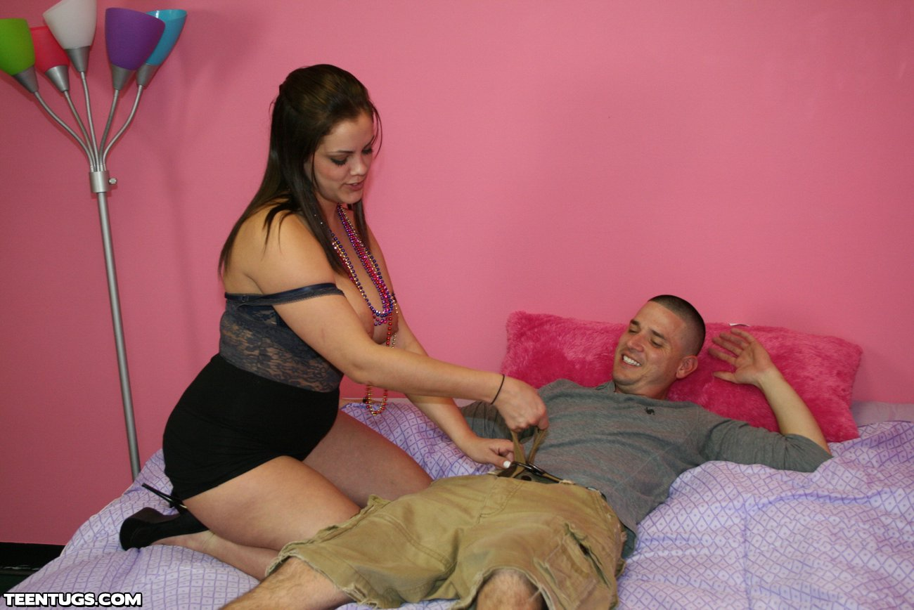 Wasted Busty Teen Katie Cummings Giving A Handjob - Picture 3